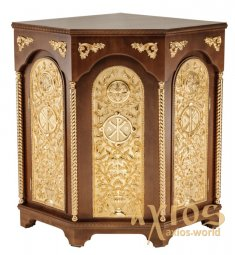 The altar is angular, wooden, 3-faceted, No. 3 with two side doors and gilded elements - фото